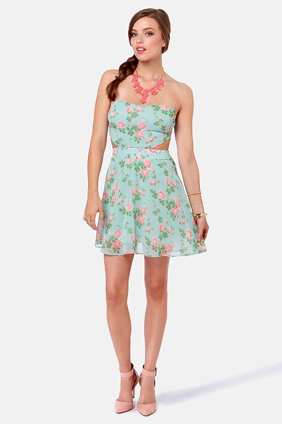 Rose'n Custard Light Blue Floral Strapless Dress at Lulus.com!