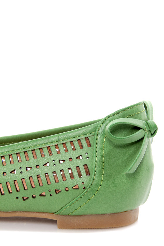 Restricted New Wave Green Perforated Cap-Toe Pointed Flats at Lulus.com!