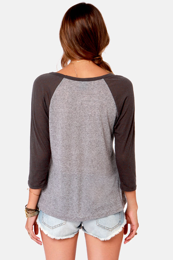 Obey Freedom Skull Distressed Grey Print Top at Lulus.com!