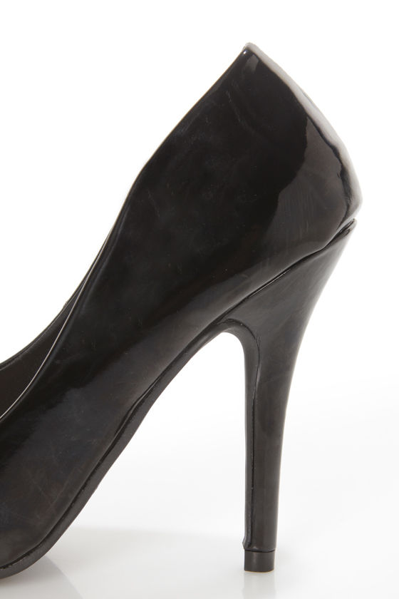 Elly 1 Black Patent Pointed Pumps at Lulus.com!