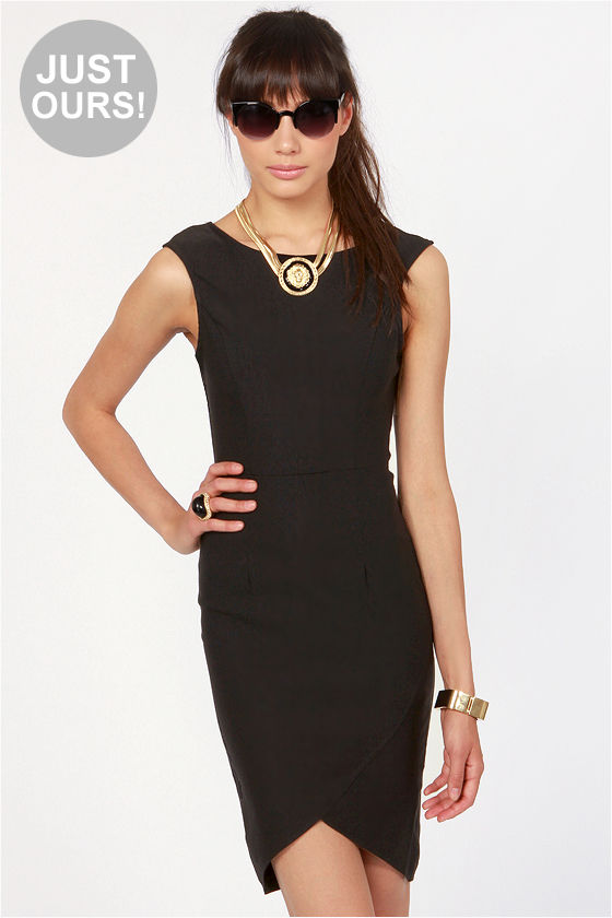 LULUS Exclusive Curve-age Under Fire Black Midi Dress at Lulus.com!