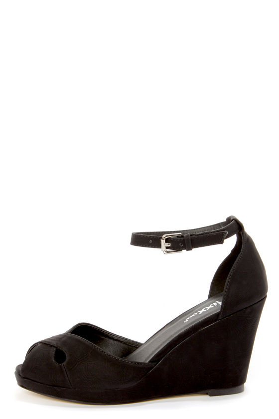 Mixx Shuz Donna Black Peep Toe Wedge Sandals - $42.00