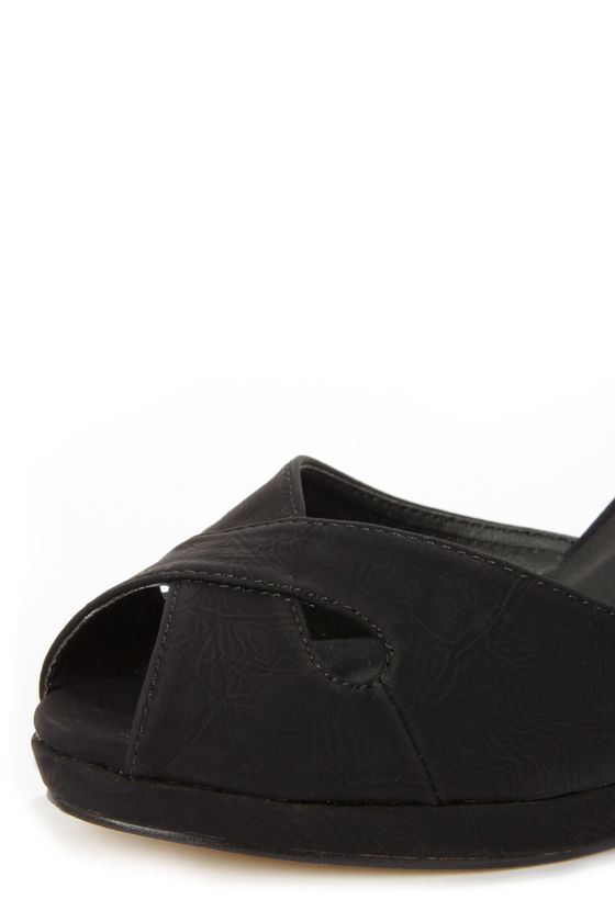 Mixx Shuz Donna Black Peep Toe Wedge Sandals at Lulus.com!