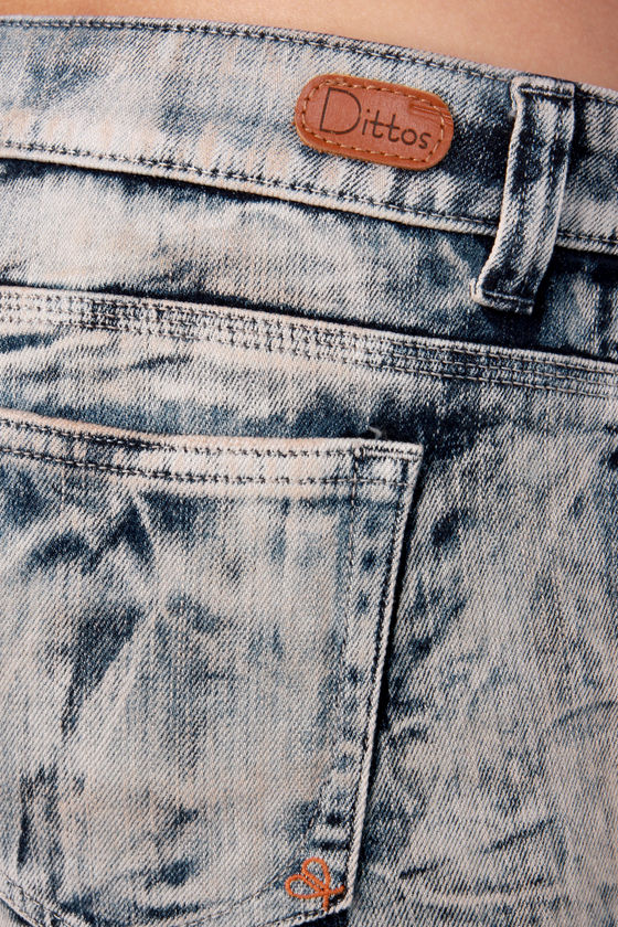 Dittos Misty Acid Washed Jean Shorts at Lulus.com!