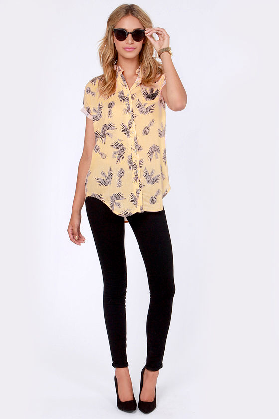 Insight Tahiti Peach Pineapple Print Button-Up Top at Lulus.com!