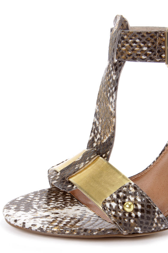 Steve Madden Reya Natural Snake and Gold T-Strap Dress Sandals at Lulus.com!