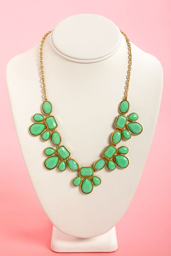 Gem Class Mint Green Statement Necklace at Lulus.com!