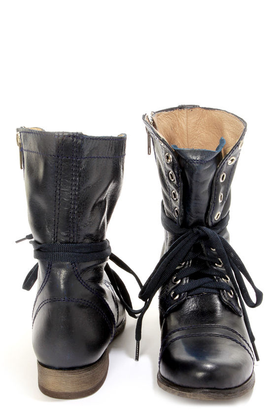 Steve Madden Troopa Denim Blue Leather Lace-Up Combat Boots at Lulus.com!