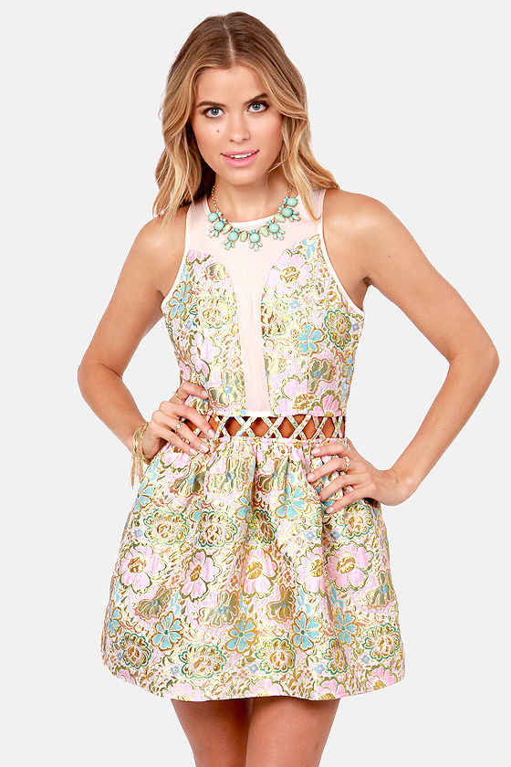 There Will Be Buds Pink Floral Brocade Dress at Lulus.com!