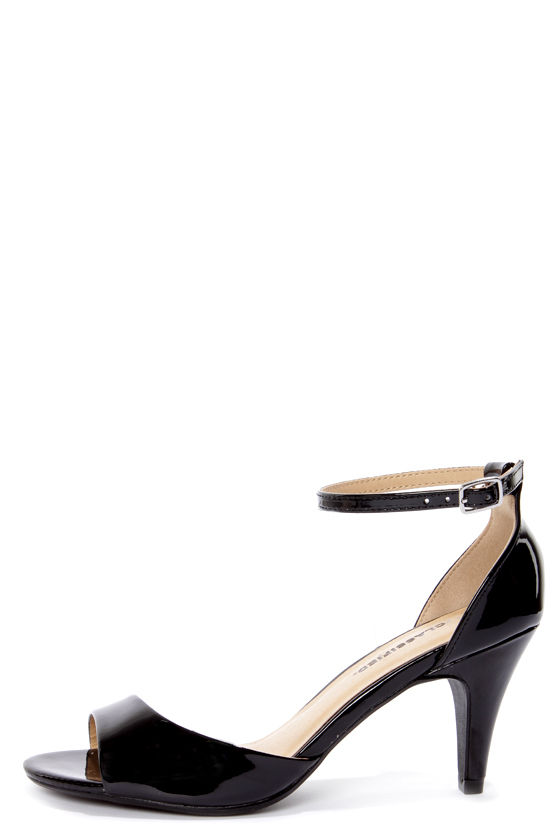 City Classified Tupper Black Patent Peep Toe Kitten Heels - $21.00
