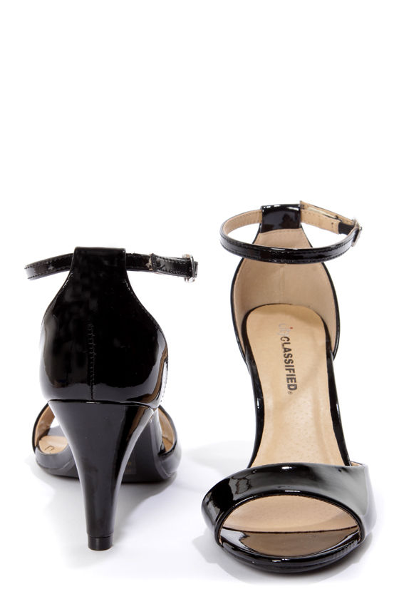 City Classified Tupper Black Patent Peep Toe Kitten Heels at Lulus.com!