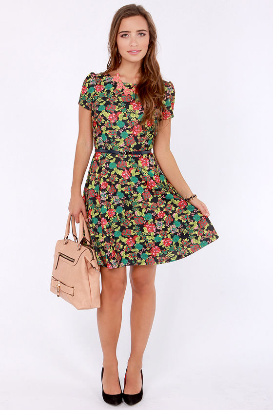Blooms Traveler Black Floral Print Dress at Lulus.com!