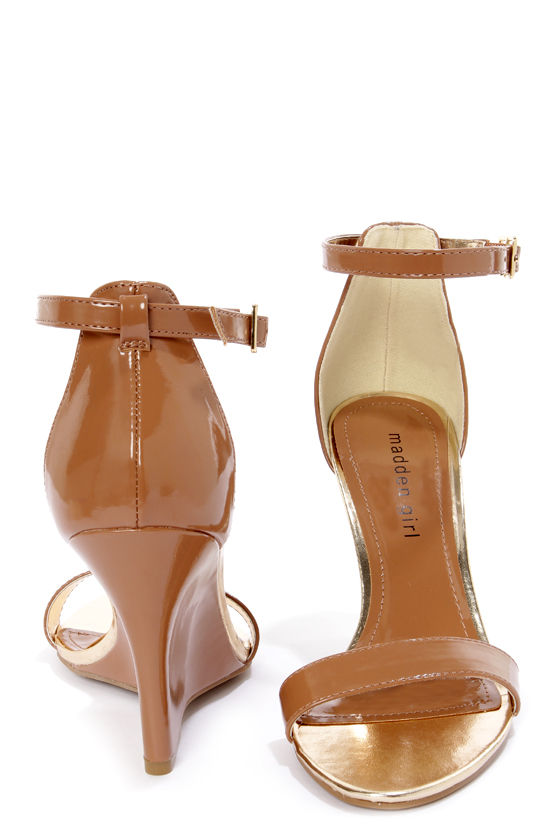 Madden Girl Yolandi Brulee Brown Patent Single Strap Wedges at Lulus.com!