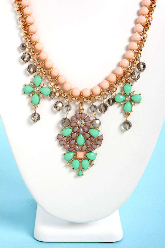 Luxe for Life Peach and Green Statement Necklace at Lulus.com!