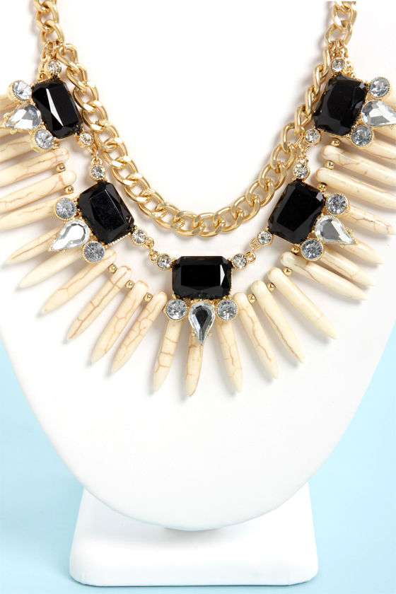 Trinket Belle Black and Ivory Statement Necklace at Lulus.com!