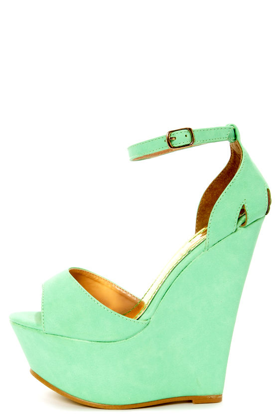 Moda 2 Light Green Super Platform Wedge Sandals at Lulus.com!