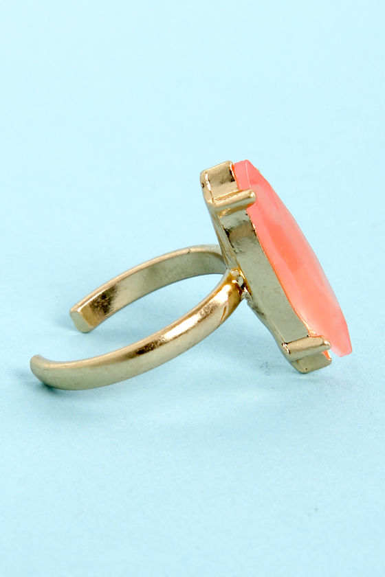 The Whole Nine Shards Peach Knuckle Ring at Lulus.com!