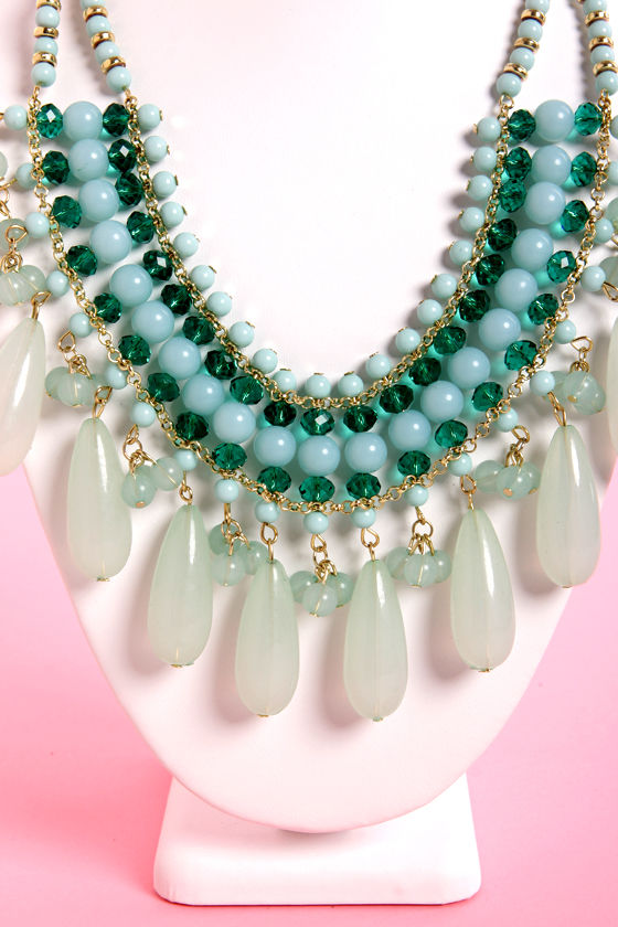 Return the Compli-mint Mint Statement Necklace at Lulus.com!