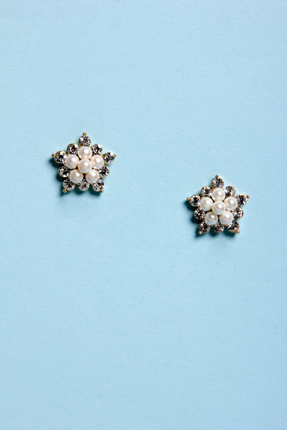 Make an Ap-Pearl-ance Rhinestone and Pearl Earrings at Lulus.com!