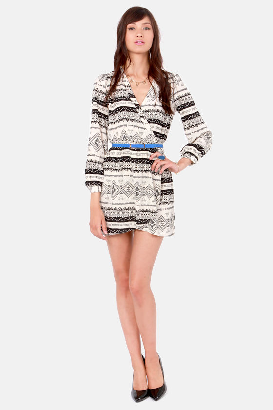 That's a Wrap Black and Ivory Print Long Sleeve Dress at Lulus.com!