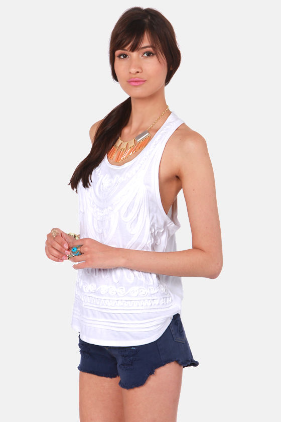 Element Eden Goa White Applique Tank Top at Lulus.com!