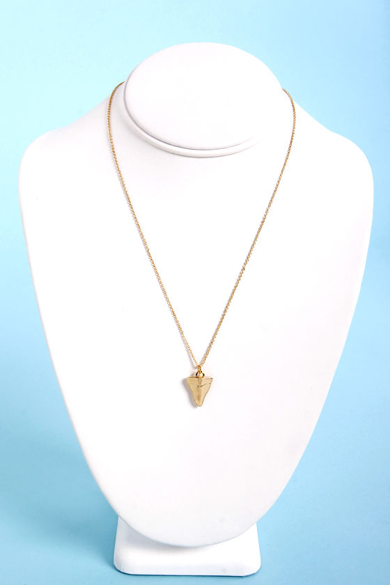 The Shark-er Image Gold Shark Tooth Necklace at Lulus.com!