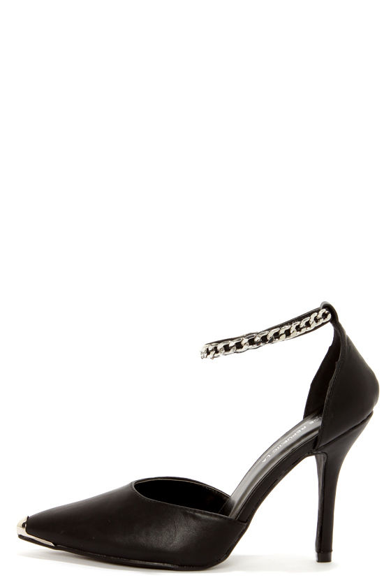 Shoe Republic LA Yurman Black Ankle Chain Pointed Pumps at Lulus.com!