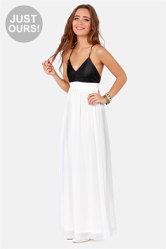 LULUS Exclusive Midnight Rider Black and White Maxi Dress at Lulus.com!