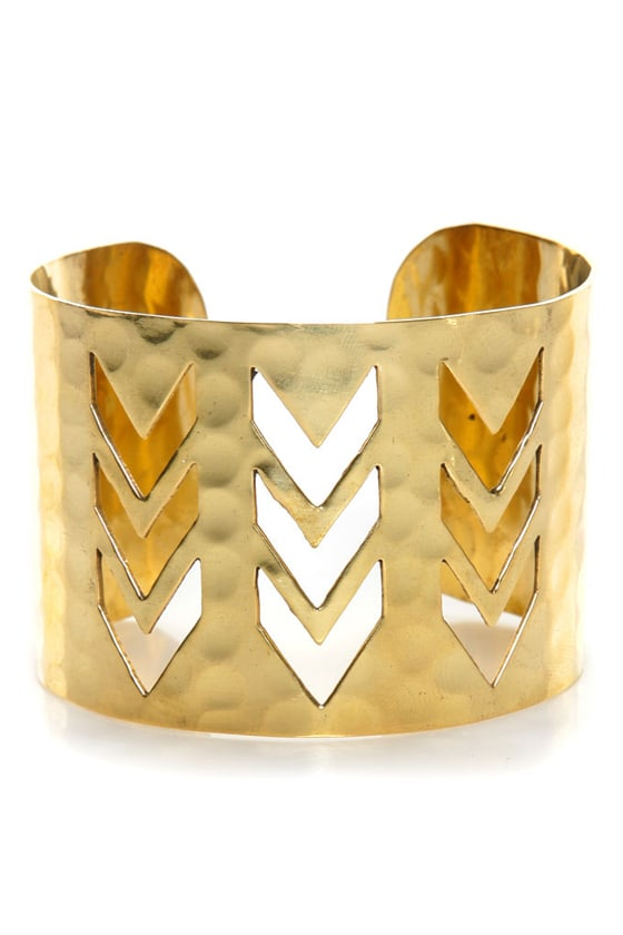 Zad Chevron Crossing Gold Cuff Bracelet at Lulus.com!