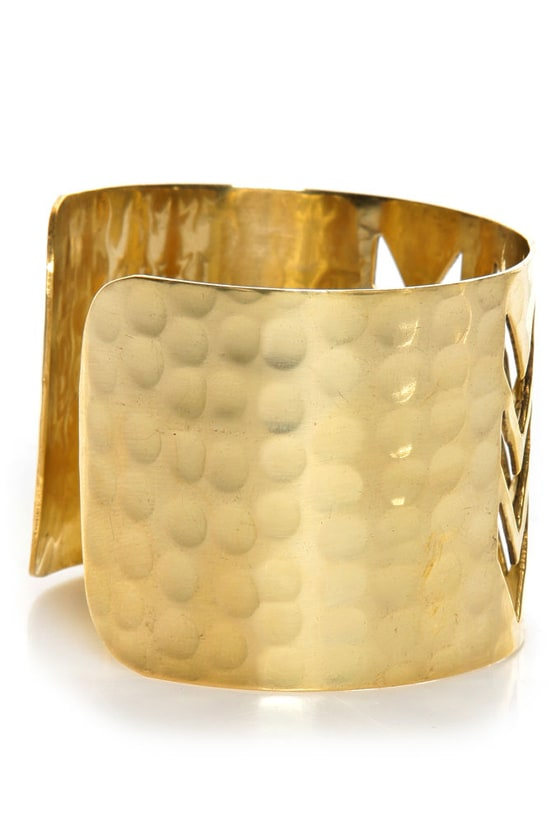 Zad Chevron Crossing Gold Cuff Bracelet