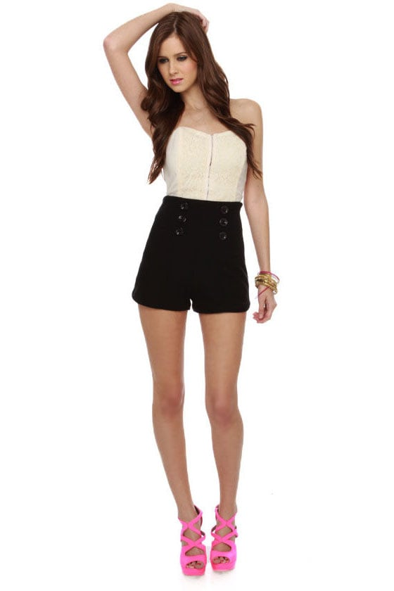 Black high waisted shorts outfit