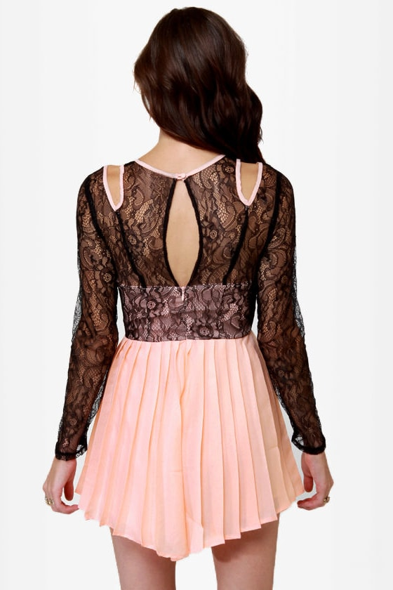 Romp-shaker Peach and Black Lace Romper at Lulus.com!