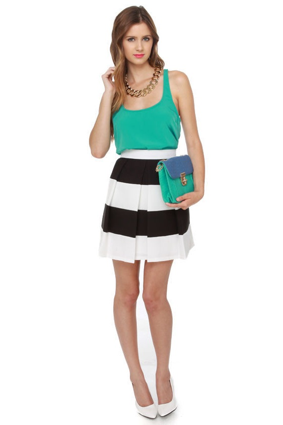 Good and Pleat-y Black and White Skirt