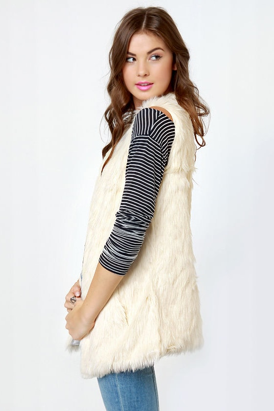 BB Dakota Scotlyn Ivory Faux Fur Vest