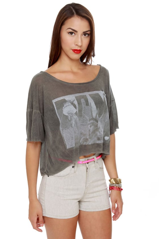 Brandy Melville John Galt Statue of Liberty Grey Crop Top at Lulus.com!