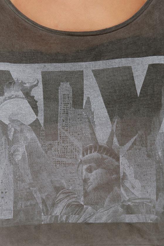 Brandy Melville John Galt Statue of Liberty Grey Crop Top at Lulus.com!