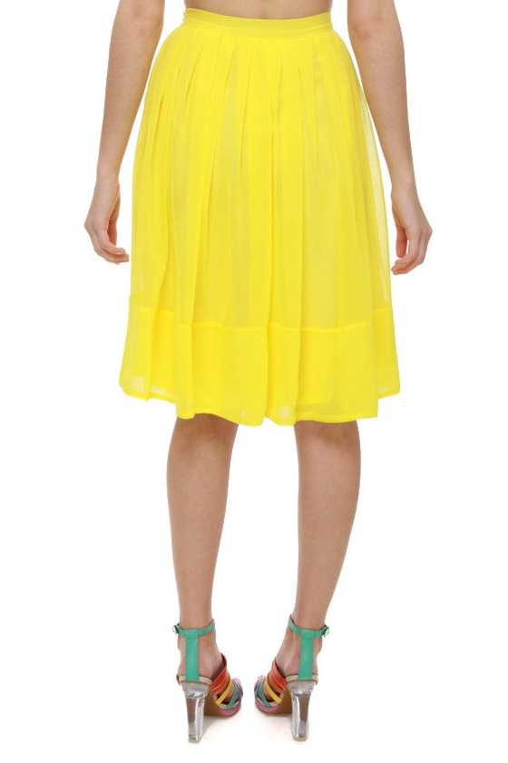 Daffodil-ettante Yellow Pleated Skirt at Lulus.com!
