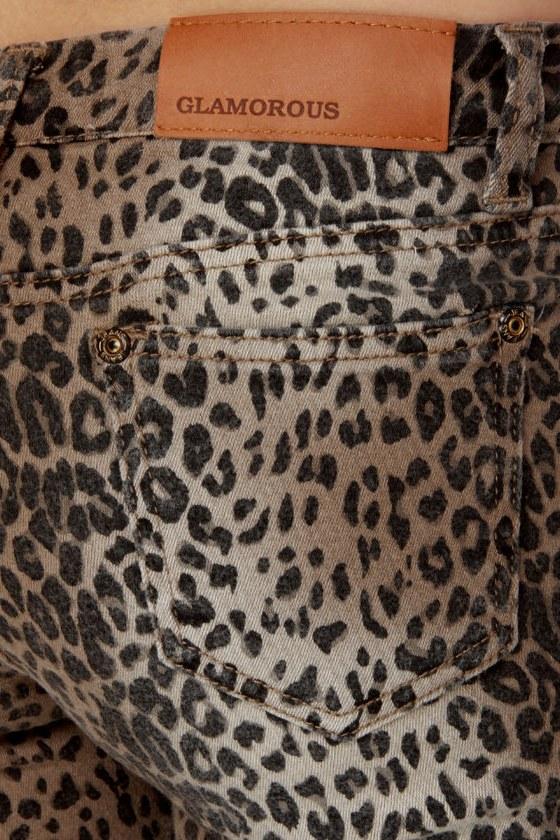 Dressed to the Nine Lives Leopard Print Jeggings
