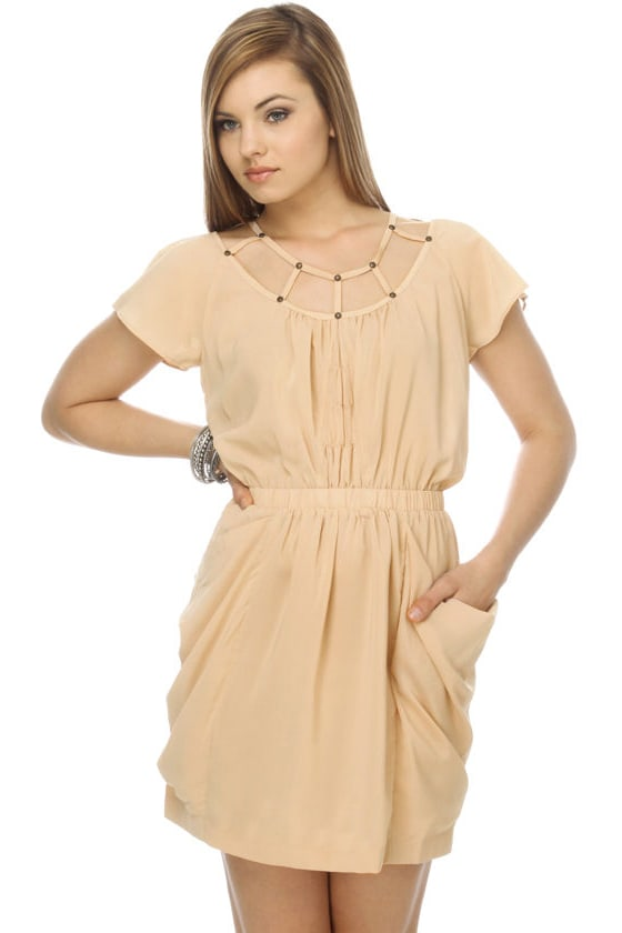 Vineyard Tours Taupe Dress