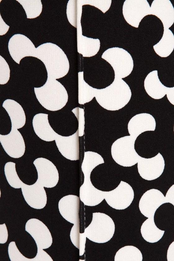 Nod to Mod Black and White Print Pants