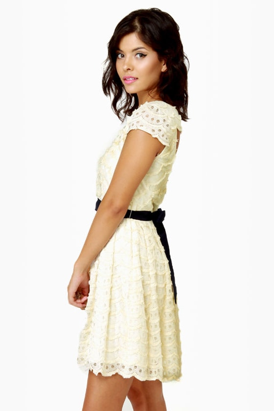 Moonbeams in a Jar Cream Lace Dress at Lulus.com!