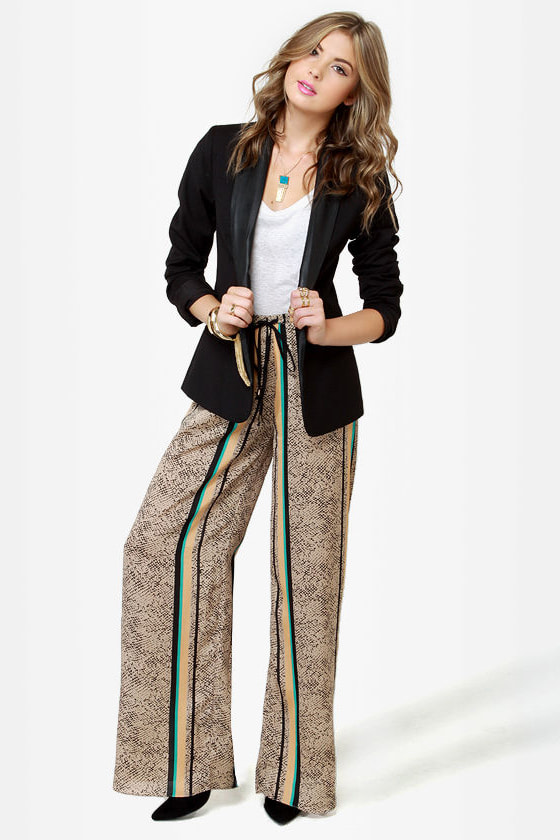 Road to Morocco Striped Wide-Leg Pants at Lulus.com!