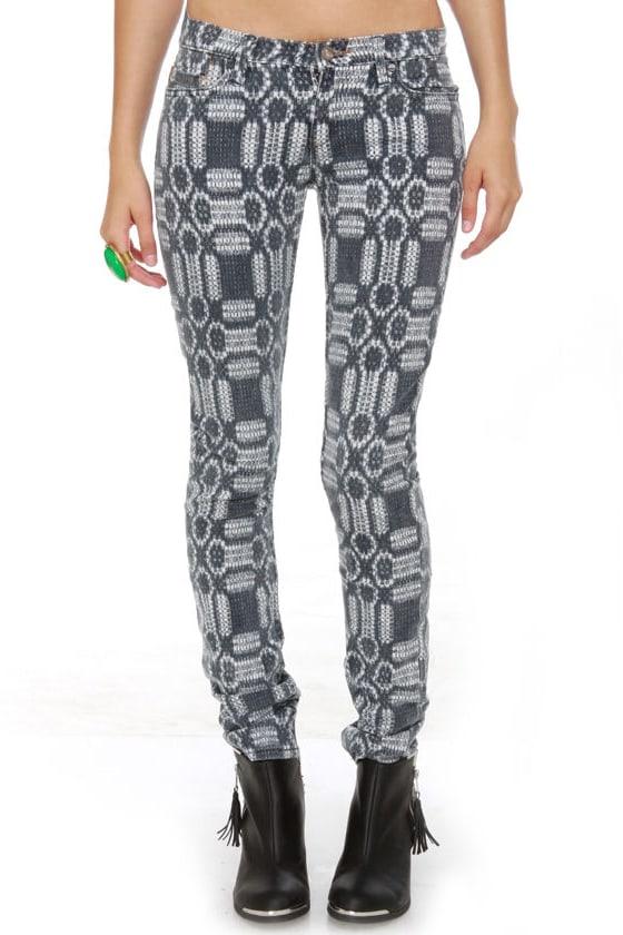 Roxy Skinny Slides Grey Print Skinny Jeans at Lulus.com!