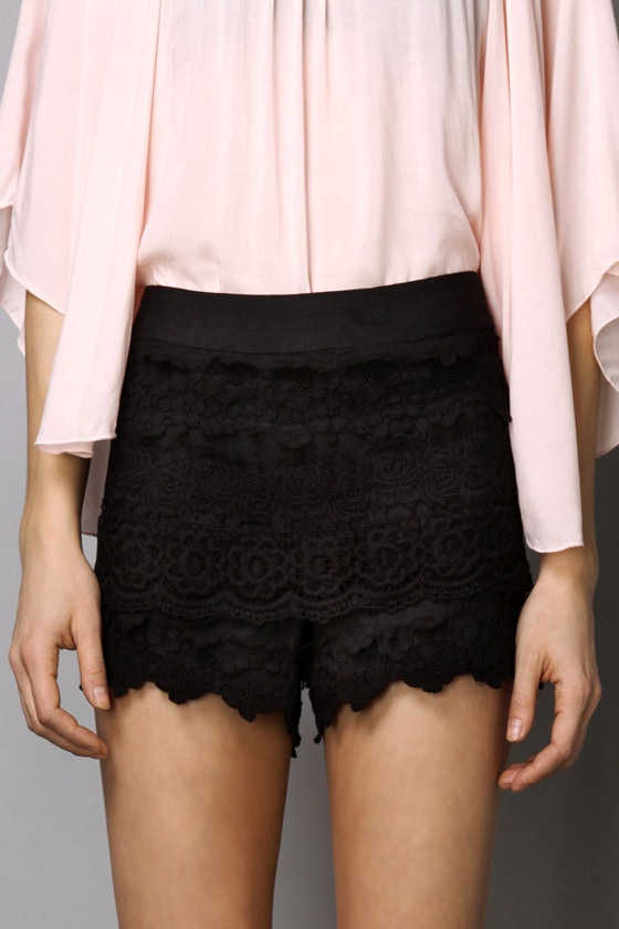 Pretty Girl Rock Lace Black Shorts