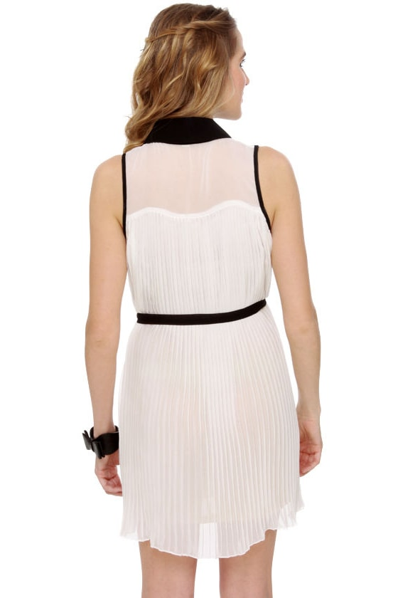 Easy to Pleats Sheer White Dress