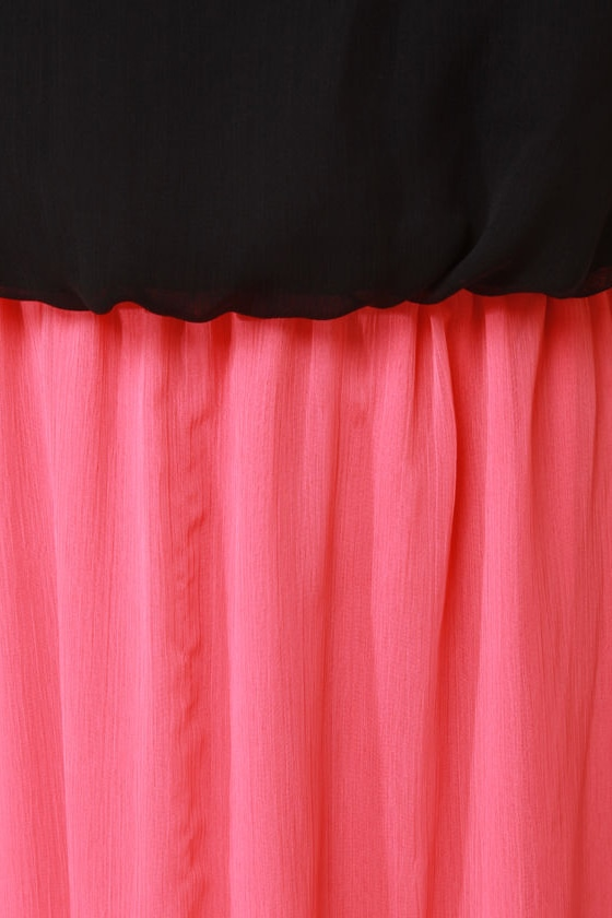 LULUS Exclusive Who\\\\\\\\\\\\\\\\\\\\\\\\\\\\\\\'s Who Black and Coral Maxi Dress