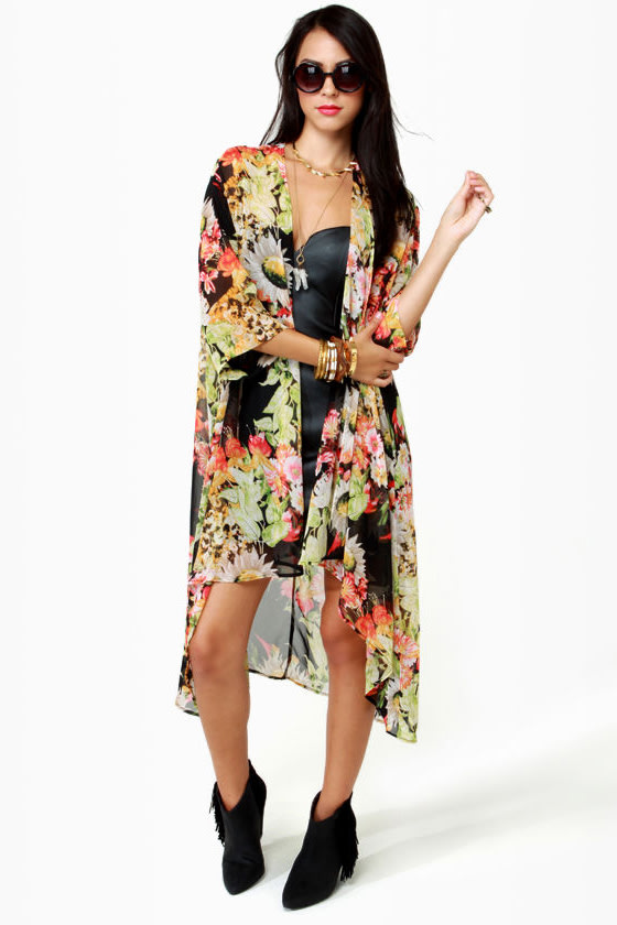 Living Arrangement Floral Print Top at Lulus.com!