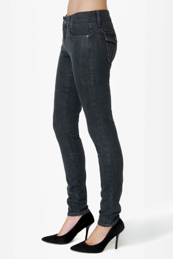 Level 99 Piper Washed Black Skinny Jeans at Lulus.com!