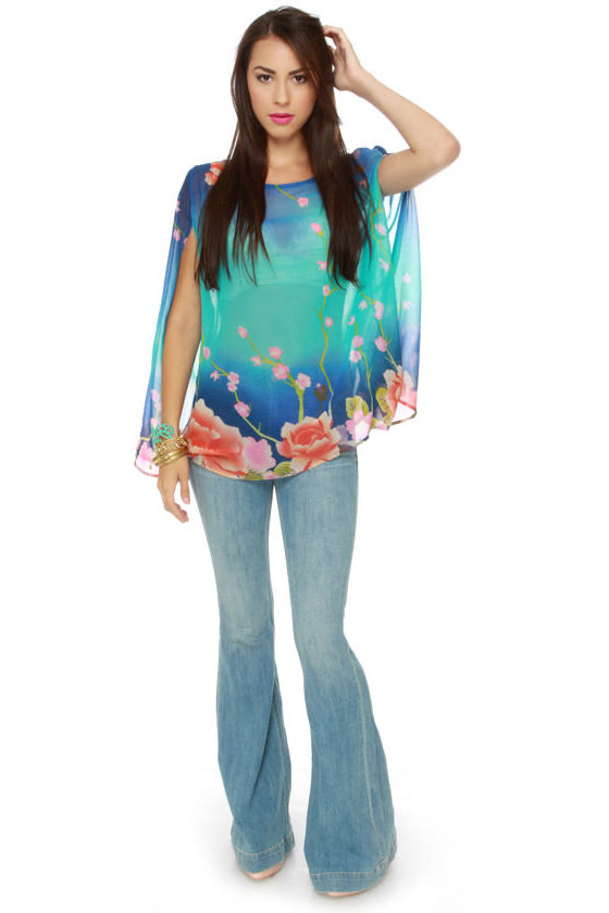 Caipirinha Floral Print Cape Top at Lulus.com!