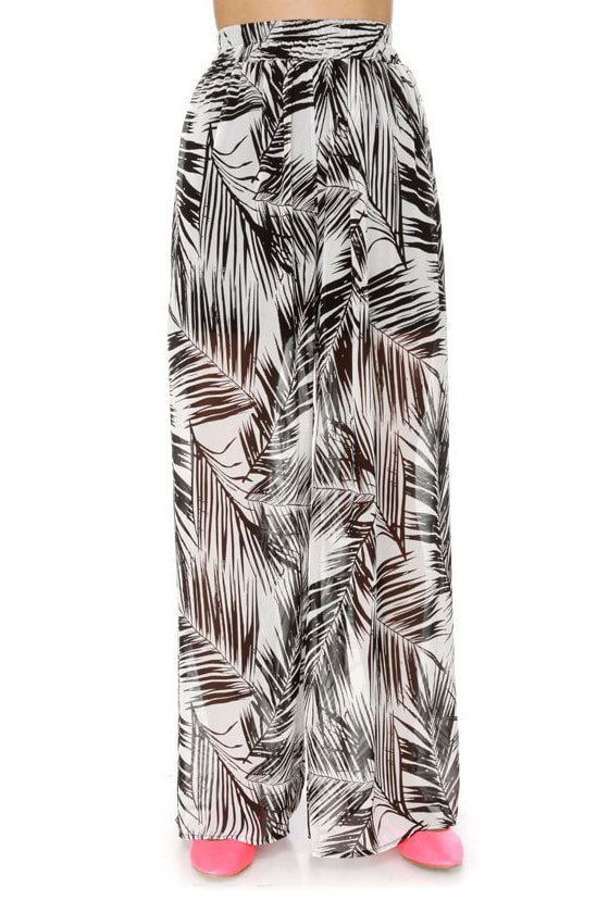 The Fronds Print Wide Leg Pants at Lulus.com!